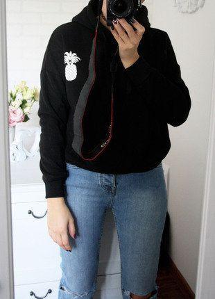 Kup mój przedmiot na #vintedpl http://www.vinted.pl/damska-odziez/bluzy/15450584-czarna-bluza-z-kapturem-tylko-sprzedaz