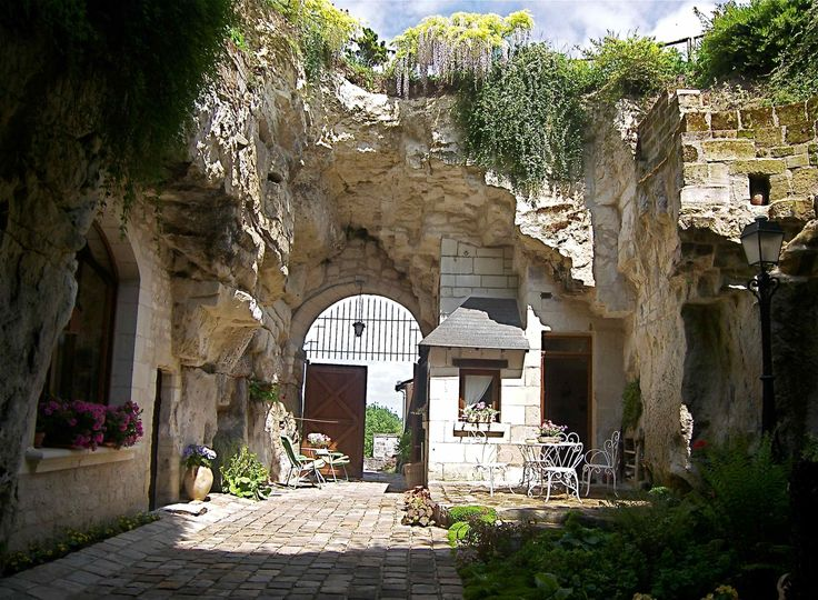 montsoreau maison avec jardin troglodyte troglodytes caves pinterest pays de la loire. Black Bedroom Furniture Sets. Home Design Ideas