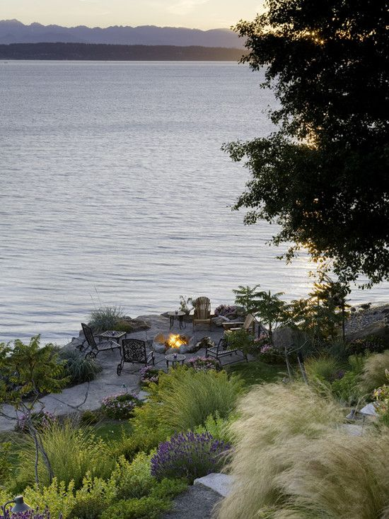 Landscape waterfront design pictures remodel decor and for Waterfront landscape design