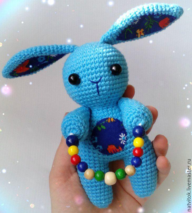 Купить Заюшка со скакалкой,развивающая игрушка для малышей вязаный крючком - голубой, кролик игрушка
