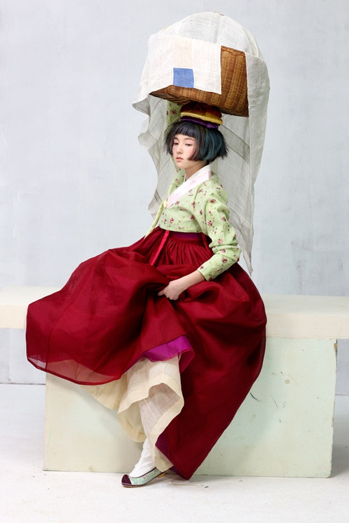 Hanbok : Korean traditional clothes - Vogue