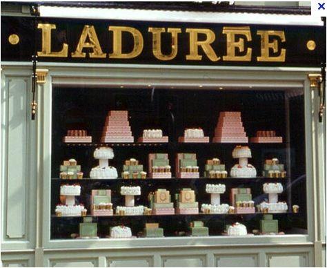 vitrine LADUREE