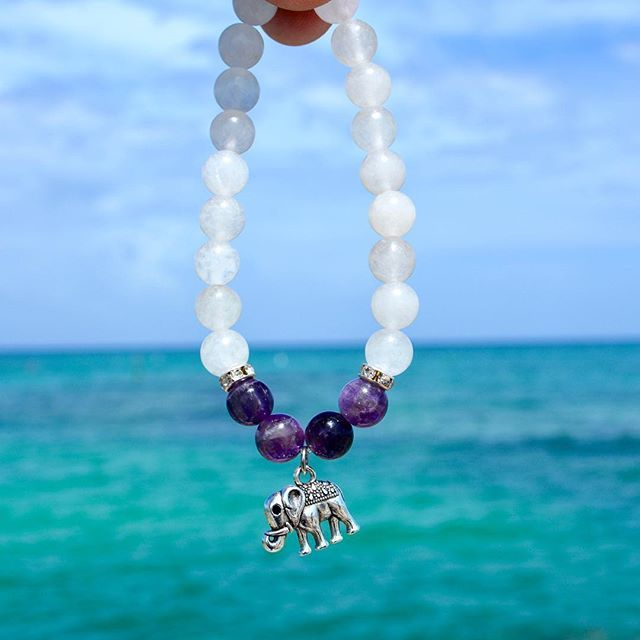 Every experience, no matter how bad it seems, holds within it a blessing of some kind.  The goal is to find it. -Buddha  The self pride bracelet💎💦