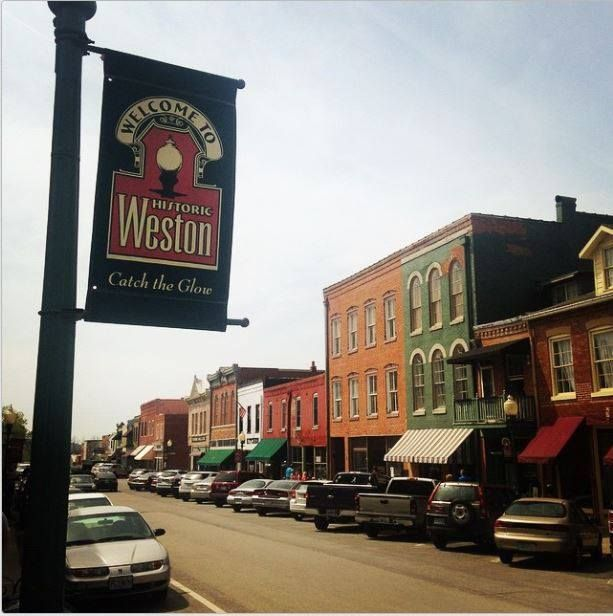 Their downtown makes it a popular destination for Missourians looking for a day or short weekend trip.