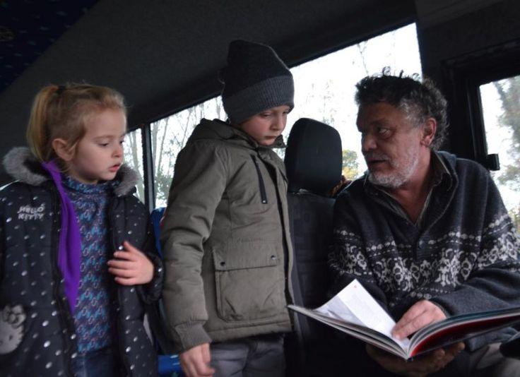 Chauffeur de bus, Pierre offre chaque jour de la lecture aux enfants : Pierre Seraille est à la recherche de tous les types de livres pour mettre dans son bus. Il fait appel à la générosité de tous.
