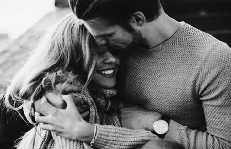 Gostoso é quando o mundo cabe dentro de um abraço…