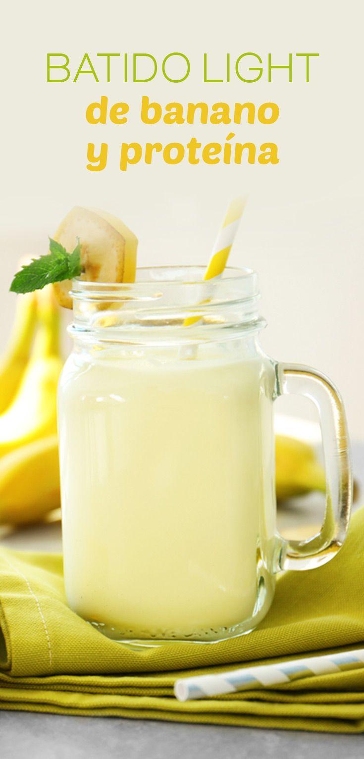 Especial batido de banano y proteína para personas que no tienen mucho tiempo para desayunar y quieren mantenerse activos y saludables. Es una bebida refrescante y deliciosa.
