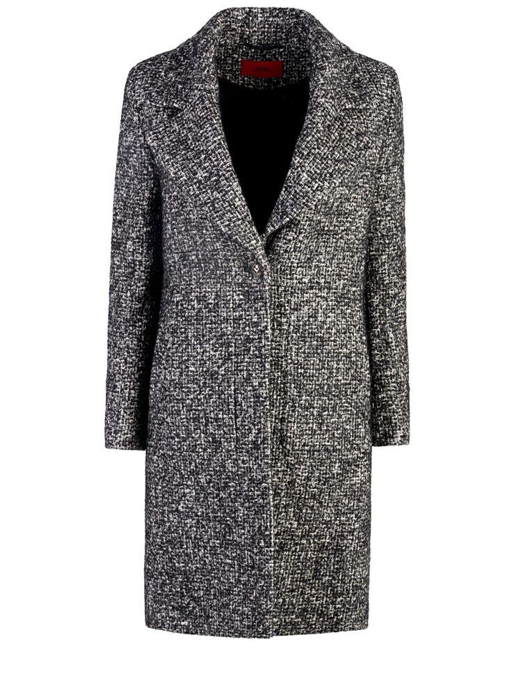 Прямое пальто в мужском стиле от Hugo Boss