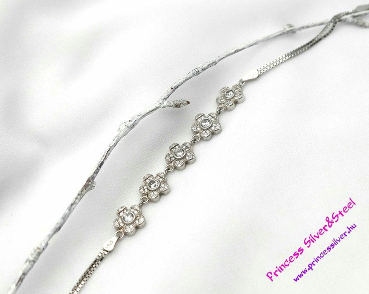 Kristály virágos ezüst karlánc- állítható hossz. Részletek: www.princessilver.hu
