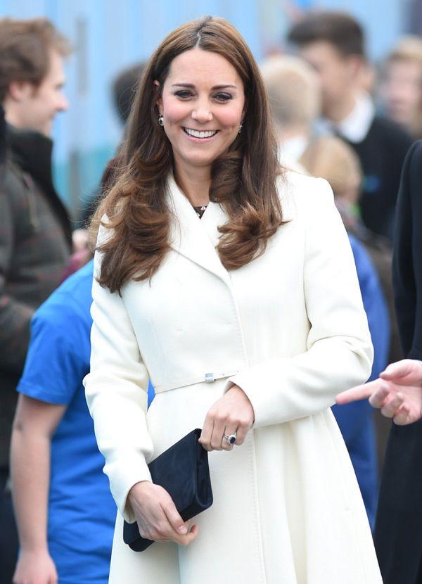 La Duquesa de Cambridge y su avanzado embarazo acaparan todas las miradas en su reaparición - Foto 3