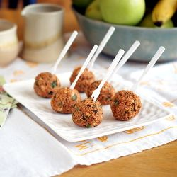 Quinoa pizza balls #HealthyAperture - dry....needs to be dipped in ranch for moisture and fat