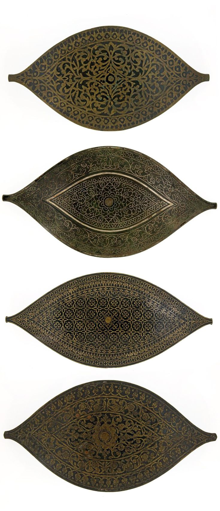 Indonesia - Sumatra, Minangkabau / Palambang | Four belt buckles (pandieëng); copper / brass alloy  | ca. 1940 or earlier