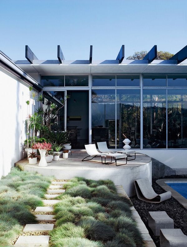A Mid Century Modern Day Masterpiece By Oscar Niemeyer - http://www.architectlover.com/decoration-ideas/a-mid-century-modern-day-masterpiece-by-oscar-niemeyer/