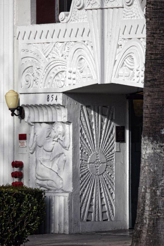 #ArtDeco | Entrance Detail, Val Du0027Amour Apartments, South Oxford Avenue,