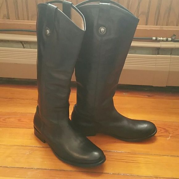 Gorgeous Authentic Frye Melissa Boots! Size 8.5 These boots are gorgeous and 100% authentic! Very lightly worn as seen in the pictures. Truly timeless style and quality. These will last you years to come!  I will happily take more pictures or answer any questions you may have. Please feel free to make an offer! Frye Shoes Combat & Moto Boots