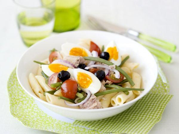 Pastasalade met boontjes en tonijn. Video uitleg van Herman den Blijker: http://youtu.be/56Gropj54WM