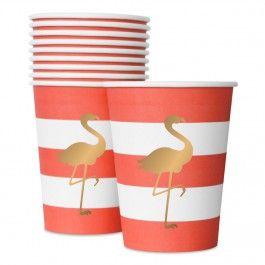 Questi bicchieri di carta possono essere usati per servire sia bevande calde che bevande fredde. <br /><br />L'intera collezione Preppy Flamingo ha rifiniture laminate opache per un look elegante e ricercato, mentre il fenicottero dorato conferisce quel tocco di lucentezza in più che rende questa festa perfetta per le celebrazioni estive così come per quelle di fine anno, per i matrimoni o le feste per bambini. <br /><br />