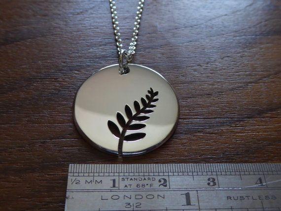 Collar árbol de helecho de plata por GorjessJewellery en Etsy