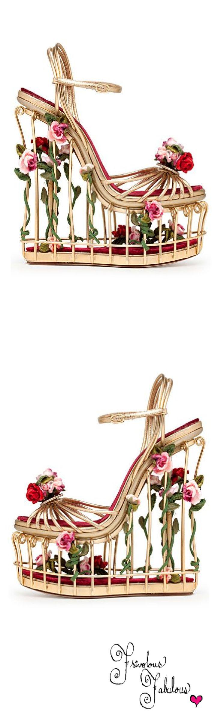 Dolce & Gabbana caged platforms   House of Beccaria~ 1613053 양지희: 화사하고 예뻐서 여성들의 마음을 혹하게 하긴하지만 평소에 신고다니기에는 과한면이 있어서 대중성은 조금 부족하지않나 하는 생각이 듭니다.
