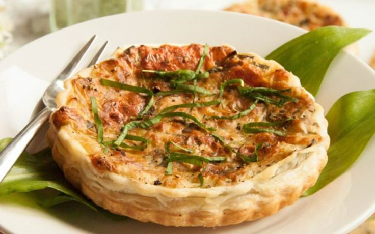 <p>This cheesy wild garlic quiche is a delicious addition to any meal and makes a great cold snack.</p>