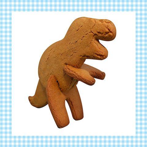 Een 3d-koekvorm van een dinosaurus – of wacht, niet zomaar een dinosaurus, een echte T-rex! Na het bakken van de koekjes zet je hem zo in elkaar! http://dekinderkookshop.nl/product/3d-koekvorm-t-rex/
