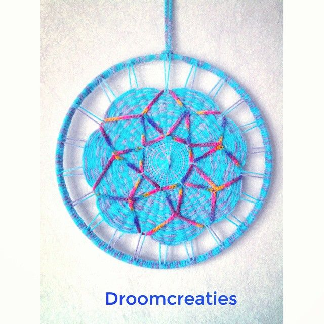 Mandala weaving with sacred geometry flower ★  #mandala #mandaladesign #mandalart #weaving #weven #haken #crochet #sacredgeometry #geometry #crafty #creative  #crea #dreamcatcher #dromenvangers #droomcreaties #instagram #instalike #flower