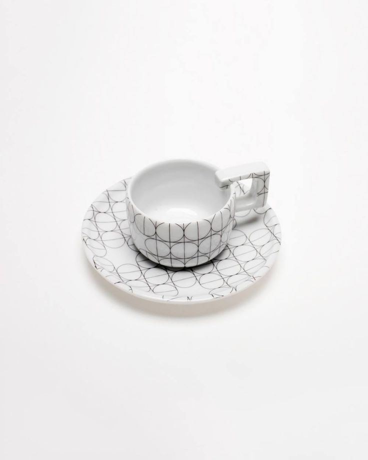 Espresso Cup – Scandinavian Porcelain Cup, element of SCANDINAVIAN SET collection. SCANDINAVIAN SET is created in the spirit of Craft Design – popular trend among designers manufacturing products in their studios. Products are handmade, therefore there might be slight differences between each item.