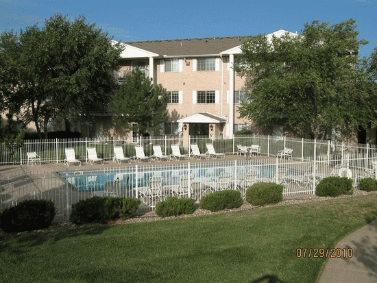 Yorktown Estates-This is the apartment complex I live at.  There's an indoor pool AND an outdoor pool, plus a hot tub, sauna, workout room w/equipment, 2 tanning bed rooms, tennis courts, garages (for an extra charge), clubhouse room that can be rented for special occ, elevators, and there's a pond on one side with the awesome Warren movie theater on the other side with the IMAX theater.  Great location!