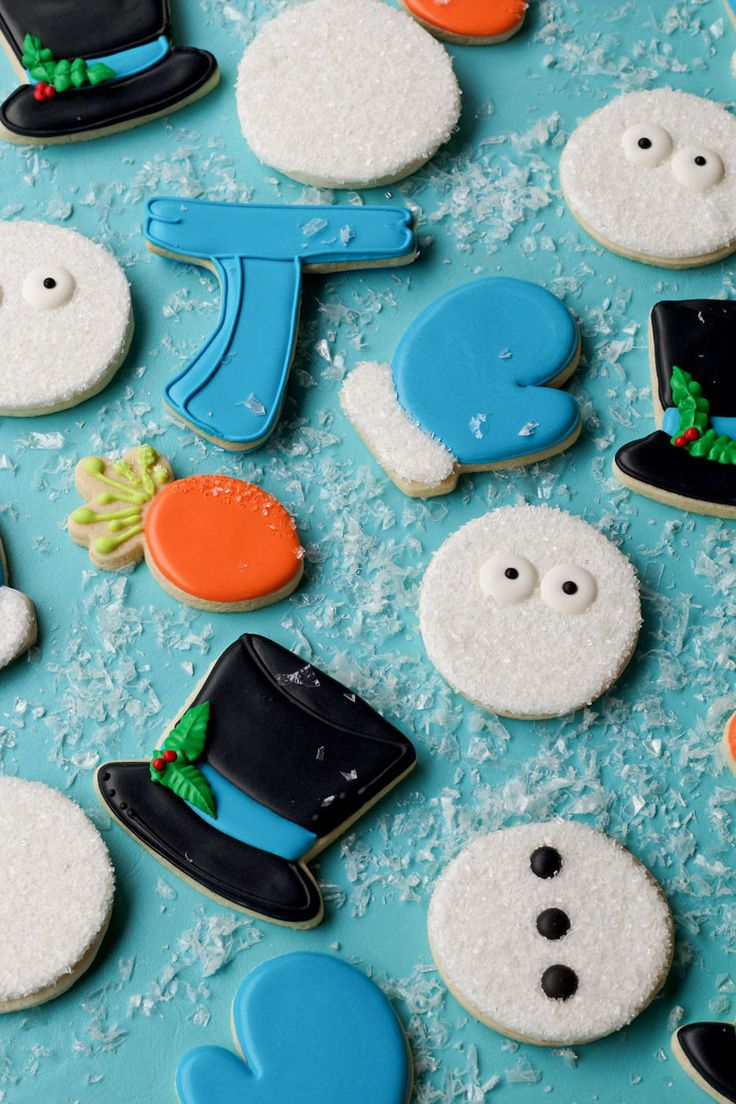 How to Make Simple Snowman Cookies that Need Help with thebearfootbaker.com