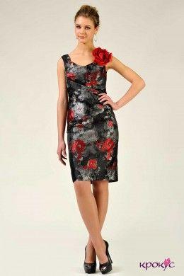 Платье в цветы с розой на плече