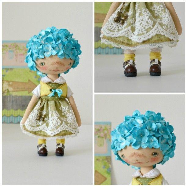 Доделала таки! В августе начала и бросила. Гортензия голубая, любимая из всех гортензий  в планах, конечно, попробовать другие цвета, посмотрим  #кукла #текстильнаякукла #гортензия #цветы #садовая #сад #Аква #hydrangea #bluehydrangea #flower #garden #doll #artdoll #handmade #ooak #ручнаяработа #хэндмэйд #игрушка #toy #artisttoy