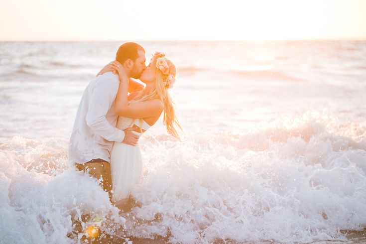 Photography: Jasmine Lee Photography - http://www.stylemepretty.com/portfolio/jasmine-lee-photography   Read More on SMP: http://www.stylemepretty.com/california-weddings/2015/01/07/rustic-beach-engagement-session/
