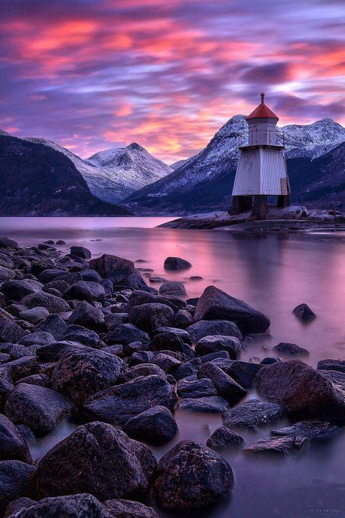 Farol Guardião, Noruega. Fotografia: Haakon Nygård.