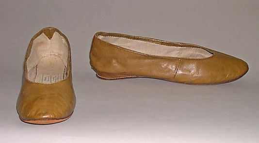 """Slippers, 1812, American, leather. In The Metropolitan Museum of Art collection. Label inside reads, """"Shoes, made and sold by David Pratt, Reading (near Boston, Mass.)"""""""