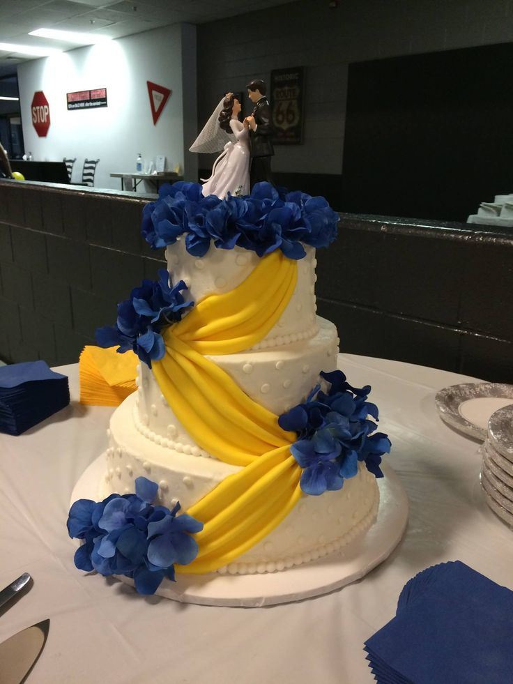 Army Blues Themed Wedding Cake
