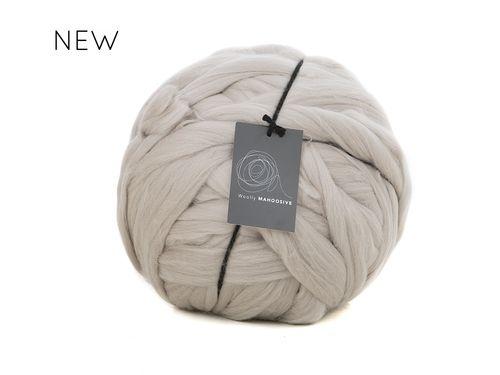 beige super chunky giant merino yarn extreme knitting.woolly mahoosive.jpg