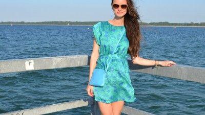 Пляжный образ: «Blue shine – Look»cosmicloocom #cosmiclook #look #fashion #dress #sea #beach #summer #мода #платье #голубоеплатье #лук #советы #модныесоветы #образ #модныйобраз #пляж #пляжныйобраз #море #отпуск #лето #солнце #отдых