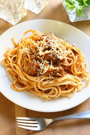 Check out what I found on the Paula Deen Network! Alice Jo's Spaghetti Sauce http://www.pauladeen.com/alice-jos-spaghetti-sauce