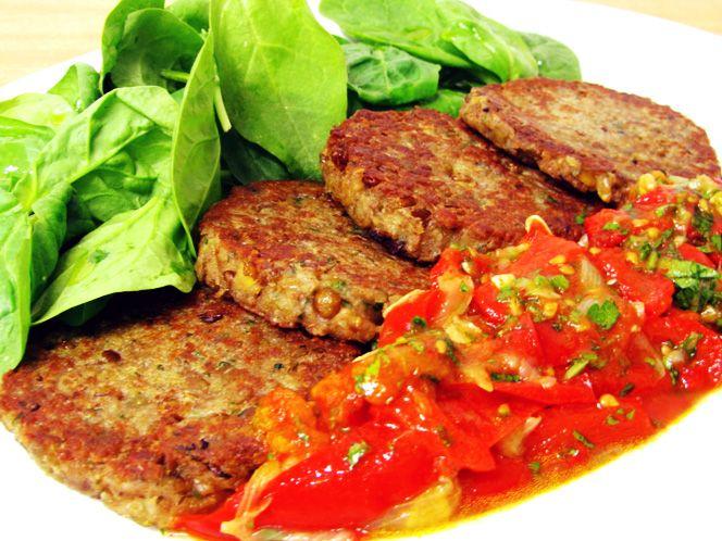 Hamburguesas de Lentejas— Ingredientes : 500 gr de lentejas,  una pizca de sal…