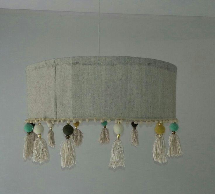 lampara lino con borlas d fieltro e hilo