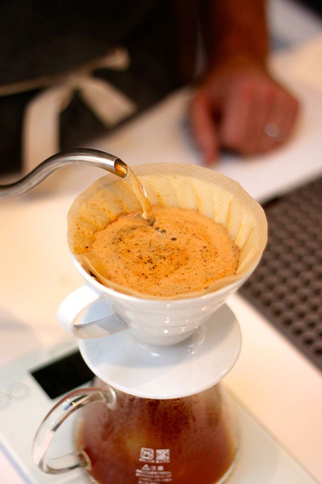 Learn the dos and don'ts of making a pour over coffee with ...