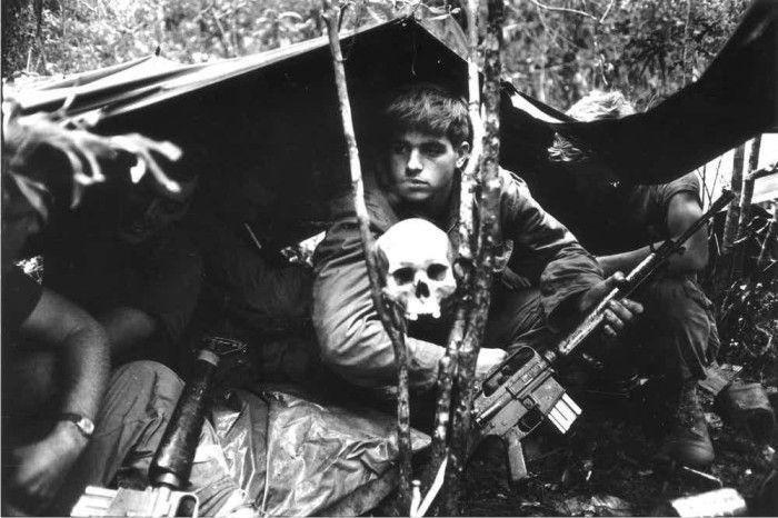 6 Fakta Tentang Perang Vietnam yang Bikin Kita Semua Terperanjat ! http://ift.tt/2netBKp  Fakta Tentang Perang Vietnam yang Bikin Kita Semua Terperanjat ! Apa saja fakta tersebut silahkan simak penjelasannya berikut ini pasti membuat anda terlongong-longong dan terperanjat. Coba aja baca teruss !  Perang vietnam dianggap sebagai perang yang bisa bikin heboh publik. Perang antara ideologi komunis dan Barat ini mulai pecah pada tahun 1950-an dimana pihak komunis mulai melebarkan sayap mereka…