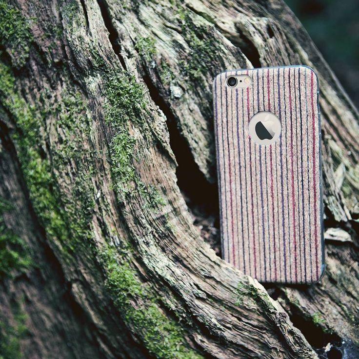 Das Wetter lässt es ja bereits erahnen: Die Pilzsaison ist eröffnet! Neben Pfifferlingen und Maronen kann einem beim Sammeln auch schnell mal eine unserer #kwmobile Handyhüllen ins Netz gehen.  Falls euch heute nicht nach einem Waldspaziergang sein sollte findet ihr den Link in der Bio und hier: http://ift.tt/2e8iyyI  #produktderwoche #handyhülle #pilzsaison #herbstfarben #smartphone #gutgetarnt #iphonese