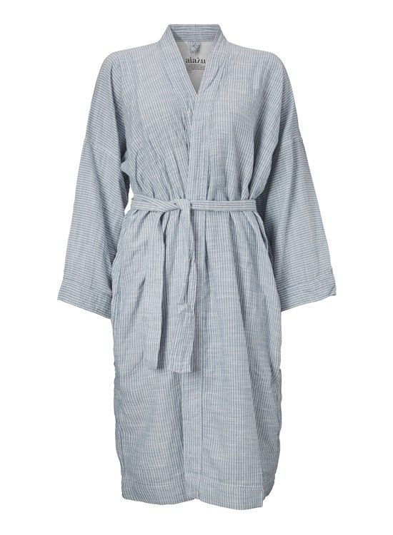 2 stk. organic cotton badekåber fra AIAYU Available at: http://www.sofinah.fi/product/369/bathrobe-striped-blue Størrelse Small og Medium