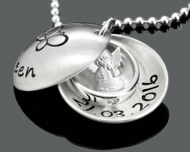 Eine Schutzengel Kette mit einem Taufring. Der Anhänger wird nach Ihren Wünschen beschriftet. Der Schmuck von GALWANI.DE ist komplett aus 925 Silber.