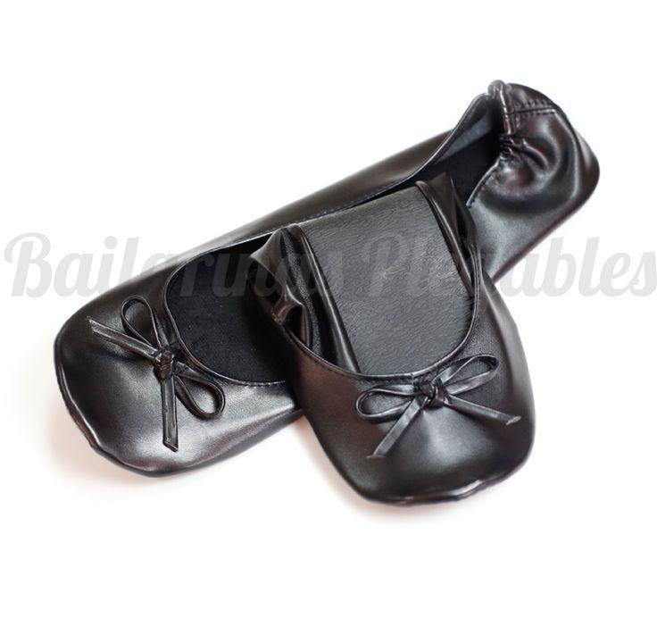 Bailarinas Plegables Negras, un básico imprescindible en el bolso. Combina bien en cualquier look y te salvarán cuando no puedas más con los tacones. Bonitas, baratas y muy cómodas.