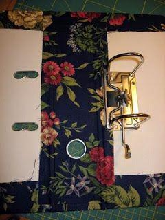 Benötigt wird: 1 Ordner Stoff Buchbinderleim (250ml) 1 Borstenpinsel, Nr.22 (Anmerkung: ein 2ter Pinsel, sehr schmal, wäre zwischendurch seh...