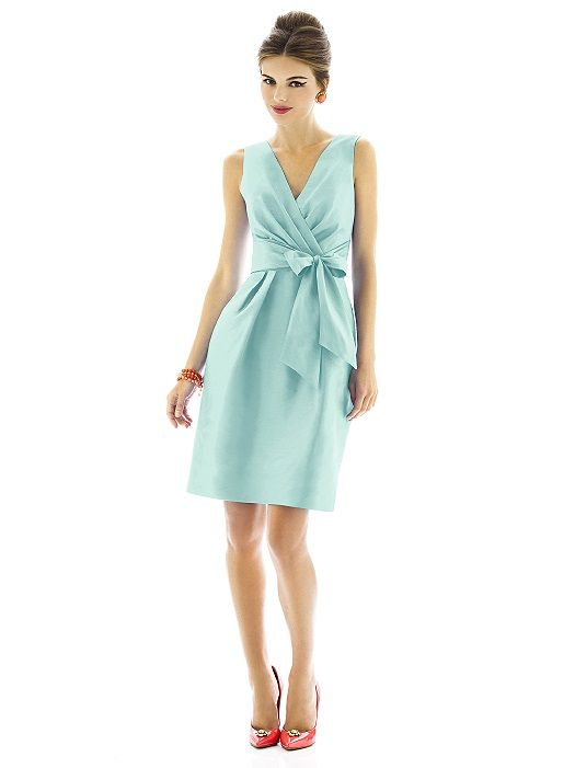 Alfred Sung Bridesmaid Dress D595 http://www.dessy.com/dresses/bridesmaid/D595/Nice and forgiving