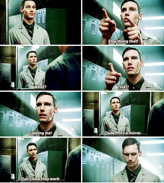 """Dude... it's a mirror. That's how they work"" - Ed Nygma #Gotham"