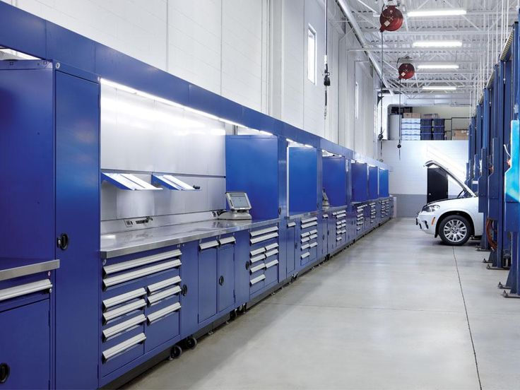 Explore the pictures of the portfolio! It will help you to better visualize the type of solutions offered by Rousseau Metal, as well as the special requirements that Rousseau and its distributors can cater for. Every storage probleme have a unique solution and we can help you figure it out!